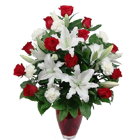 25 Red Roses in a Vase